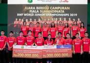 Bawa Pulang Piala Suhandinata, Tim Junior Indonesia Terima Penghargaan