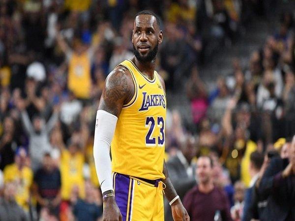 Injak Usia 34 Tahun, LeBron James Tak Khawatir Performanya Menurun