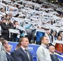 Tampil Mengesankan, Leicester Hormati Mendiang Pemilik Klub