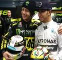 Rossi dan Hamilton Bakal Tukar Kendaraan Balap di Abu Dhabi