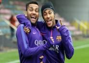 Dani Alves: Neymar Seperti Anak Kecil!