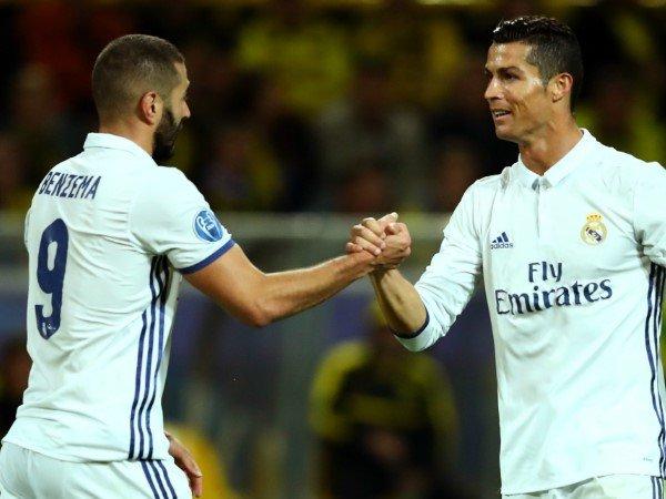 Zidane Sebut Benzema Setara dengan Cristiano Ronaldo