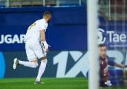 Dwigol Benzema Bantu Real Madrid Taklukan Eibar 4-0