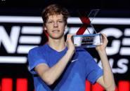 Pupuskan Harapan Alex De Minaur, Jannik Sinner Naik Podium Juara Di Milan
