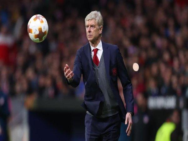 Wenger Tepis Kabar Dirinya Bakal Tangani Bayern Muenchen