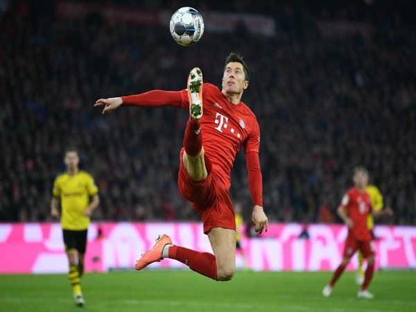 Lewandowski Didukung Pecahkan Rekor Milik Gerd Muller