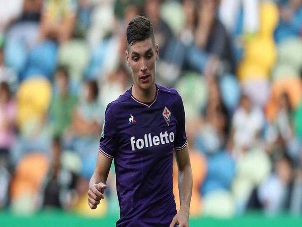 Barcelona Berniat Datangkan Bek Andalan Fiorentina