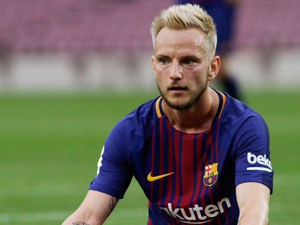 Barcelona Tolak Tawaran Klub Liga Inggris untuk Target Milan