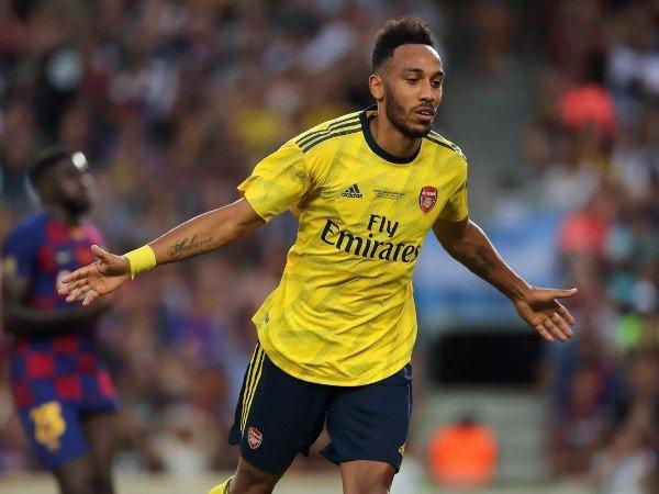 Tunggu Tawaran Barcelona, Aubameyang Tunda Kontrak Baru di Arsenal