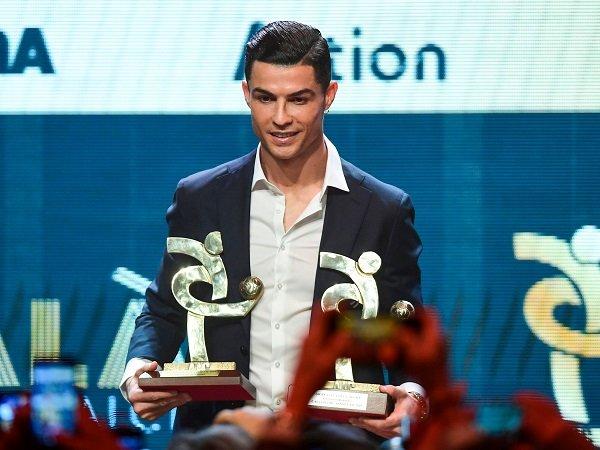 Ronaldo Diklaim Ingin Menangkan Ballon d'Or Bersama Juventus