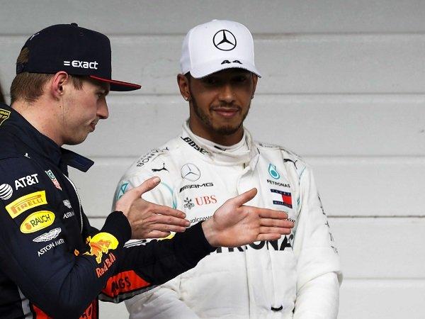 Hamilton Sebut Verstappen Sudah Tunjukkan Minat Untuk Gabung Mercedes