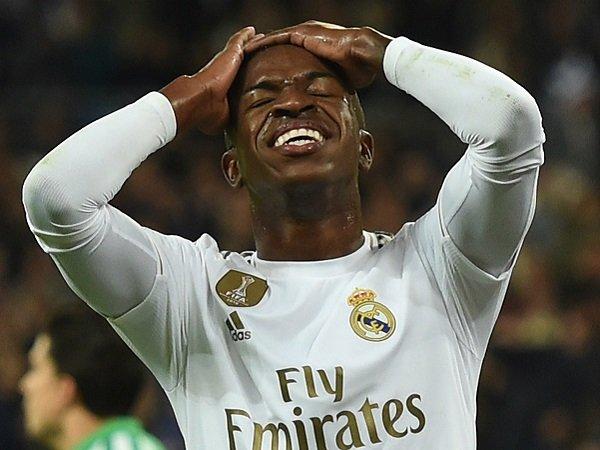 Legenda Real Madrid Dukung Vinicius untuk Bangkitkan Performa