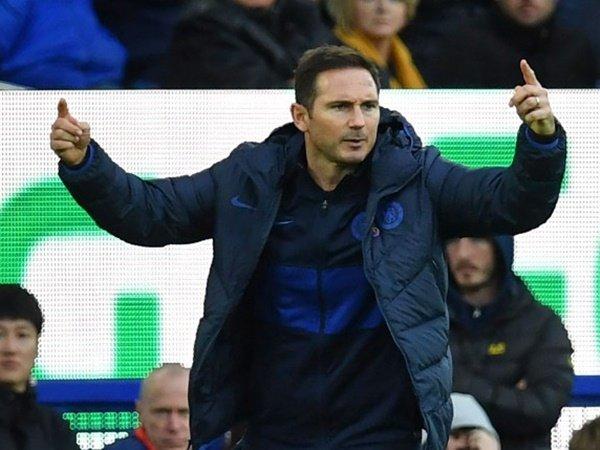 Lampard Pertimbangkan Beli Kembali Nathan Ake