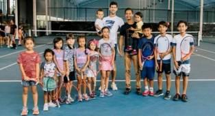 Novak Djokovic Habiskan Waktu Di Akademi Tenis Bali
