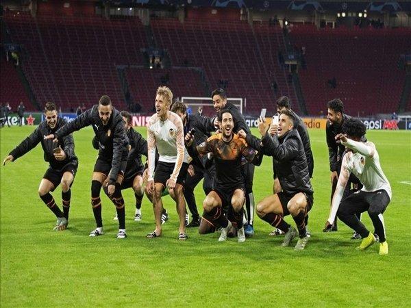 Valencia Singkirkan Ajax dari Liga Champions