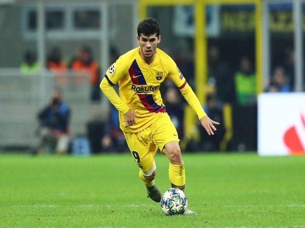 Batal ke Getafe, Carles Alena Merapat ke Real Betis?