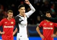 Reaksi Kemarahan Ronaldo Ketika Dihampiri Penyusup Lapangan