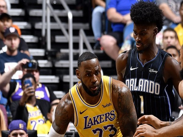 LeBron James Pimpin Lakers Menang Atas Orlando Magic