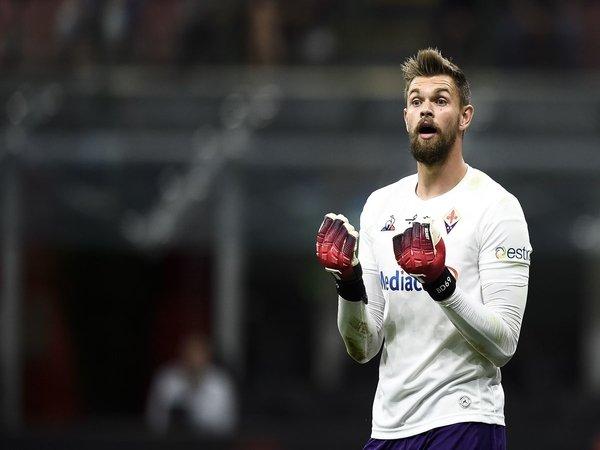 Lawan Inter, Kiper Fiorentina Bertekad Berikan Kemenangan Bagi Montella