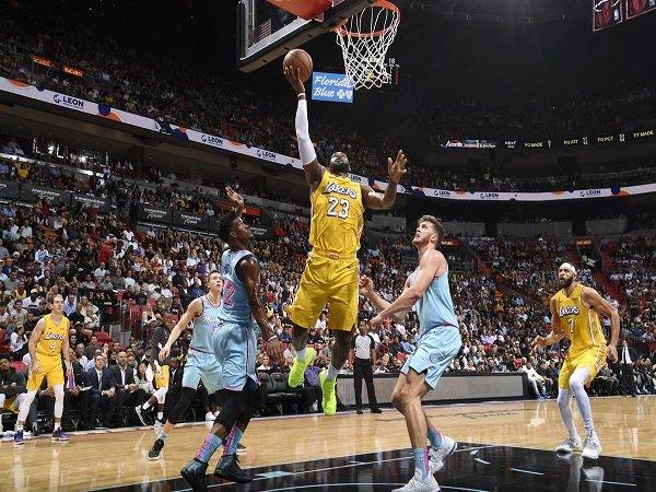 Los Angeles Lakers Beri Miami Heat Kekalahan Pertama di Kandang