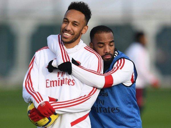 Arsenal Incar Striker Lyon untuk Gantikan Aubameyang atau Lacazette