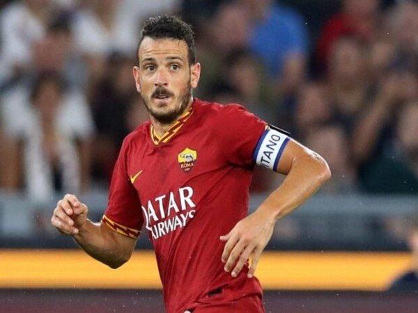 Cari Bek Kanan Baru, Valencia Bidik Kapten AS Roma