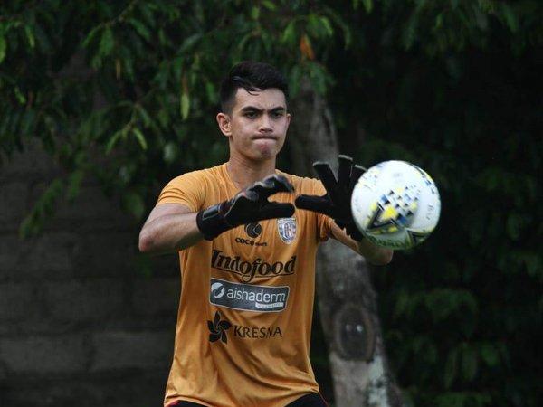 Nadeo Siap Bersaing Sekaligus Curi Ilmu Dari Kiper Senior Bali United