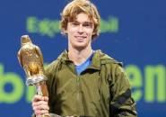 Andrey Rublev Naik Podium Juara Di Doha
