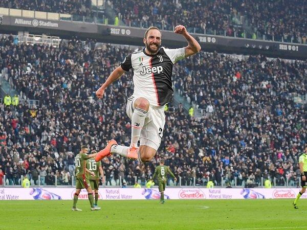 Sarri Jelaskan Pentingnya Peran Higuain untuk Juventus