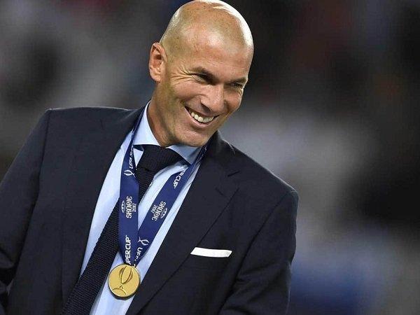 Presiden Real Madrid Sebut Zidane Sebagai Berkah dari Surga