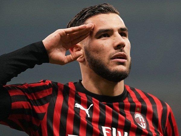 Theo Hernandez Tak Menyangka Bisa Begitu Sukses di Milan