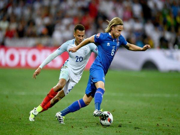 Brescia Amankan Servis Bintang Timnas Islandia