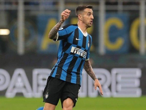 Lazio Ingin Pinjam Gelandang Bintang Inter Milan