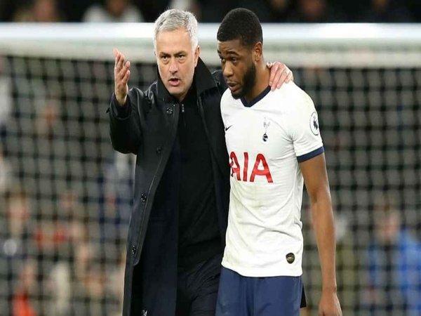 Saking Pendiamnya Pemain Satu Ini, Mourinho Bahkan Tak Mengenali Suaranya