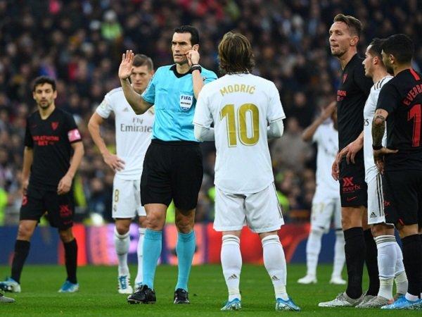 Zidane Bela Wasit Soal Penganuliran Gol Sevilla Kontra Real Madrid