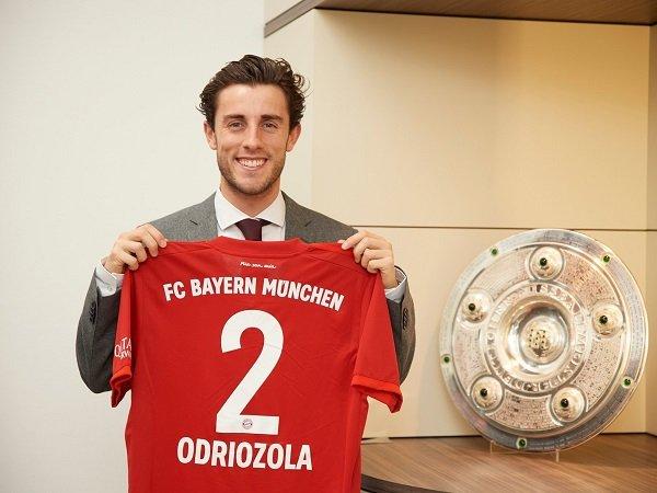 Alvaro Odriozola Resmi Gabung Bayern Munich