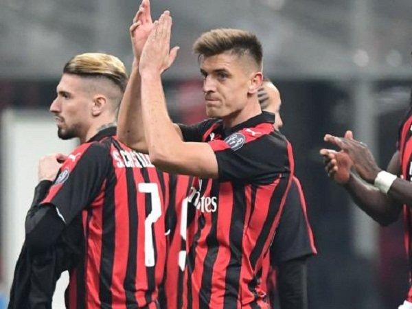 Pukulan Bagi United dan Tottenham, Piatek Rela Turun Kasta Demi Bertahan di Milan