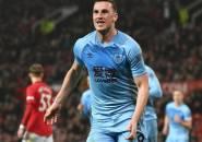 Striker Burnley Sebut Old Trafford Tak Angker Lagi