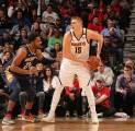 Nikola Jokic Bantu Nuggets Menang Atas Pelicans