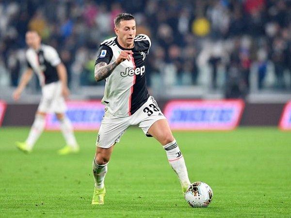 Milan dan Juventus Bahas Pertukaran Bernardeschi-Paqueta?