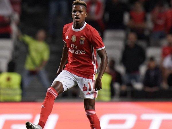Milan Jadikan Starlet Buruan United Sebagai Target Utama