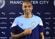 Resmi! Fernandinho Perpanjang Masa Bakti di Manchester City