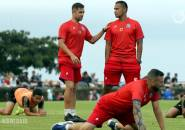 Kerja Keras Kiper Arema FC Dipuji Felipe Americo