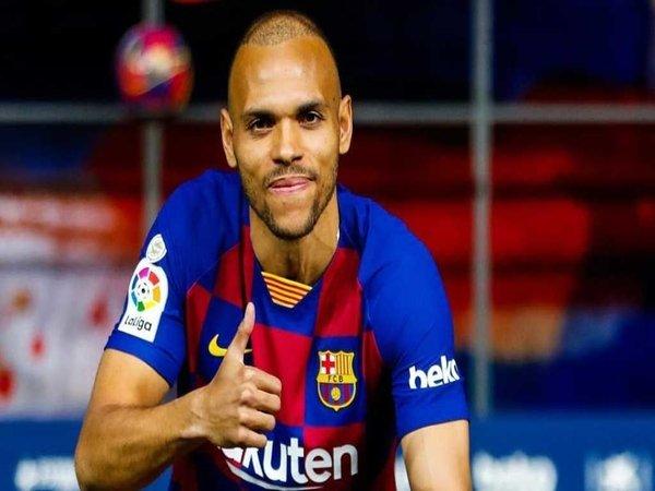 Resmi Direkrut Barcelona, Braithwaite Antusias Setim dengan Messi