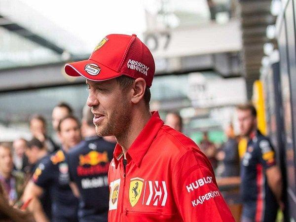 Vettel Tertarik Coba Inovasi Setir Baru Dari Mercedes