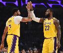 Duet LeBron-Davis Panas, Lakers Pukul Mundur Grizzlies