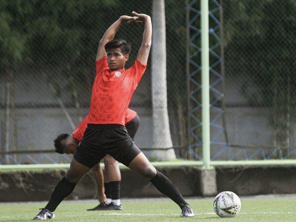Jalani Latihan Perdana Bersama Tim Senior Bali United, Ini Kata Irfan Jauhari