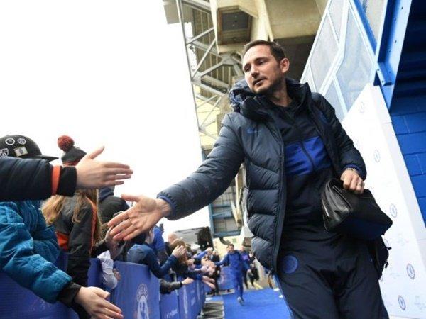 Hoddle Terkejut Lampard Tak Mainkan Giroud Lebih Sering