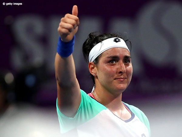 Demi Perempatfinal Di Doha, Ons Jabeur Lumpuhkan Petenis Peringkat 3 Dunia