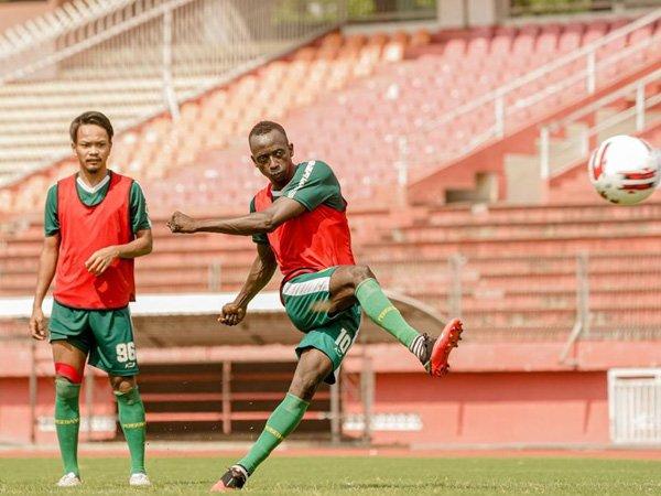 Aji Santoso Fokus Benahi Finishing Pemain Depan Persebaya